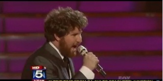 """American Idol"" finalist Casey Abrams Speaks on His Fight with Colitis"