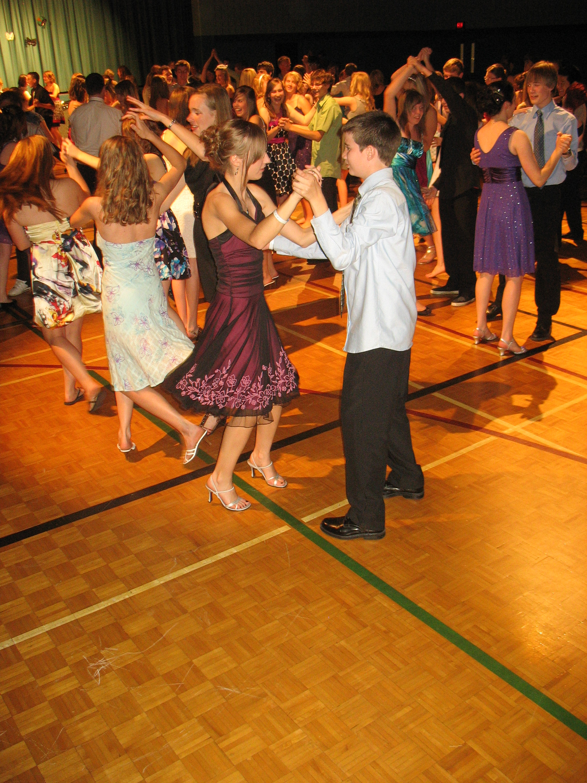 danceScape School & Youth/Teen Programs – Ballroom Dancing, Latin/Salsa, Jive/Swing, danceTONE